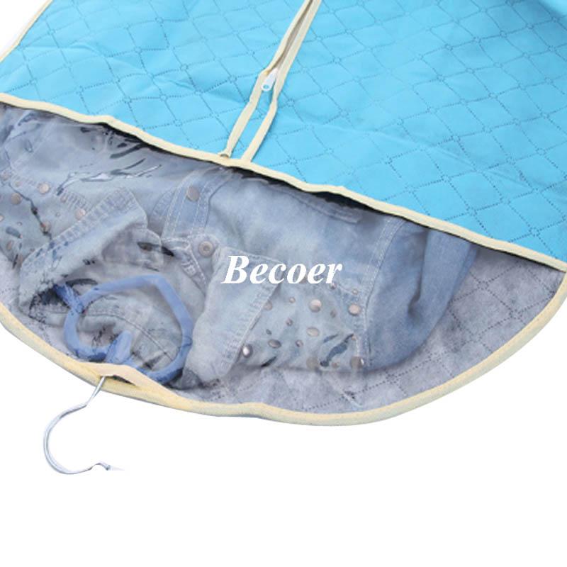 Traje azul bolsa de ropa